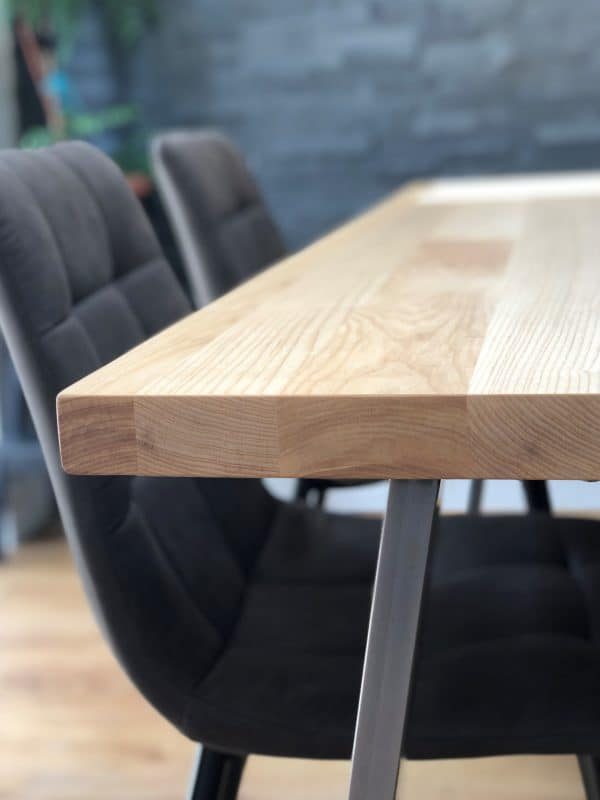 Solid Ash Dining Table Set w 4 chairs CLOSE up